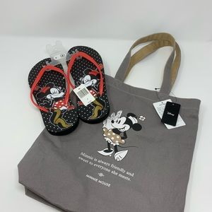 NWT Disney Bag & Flip Flops (9)